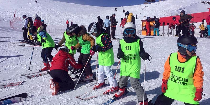 """Sanko okulları """"5'inci kayak kampı"""" tamamlandı"""
