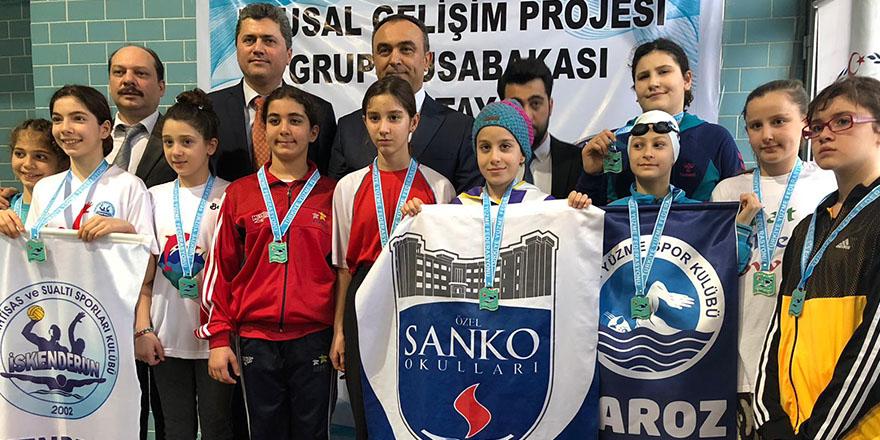Sankolu yüzücüler Türkiye finaline gidiyor