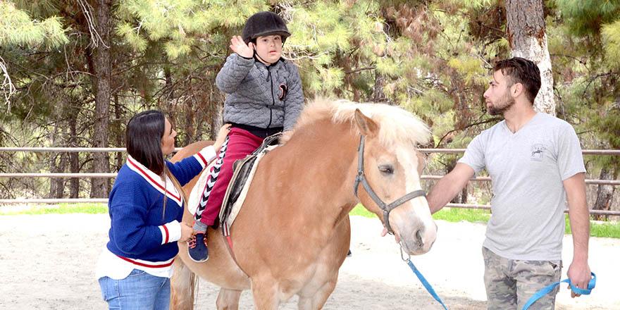Atlı terapi