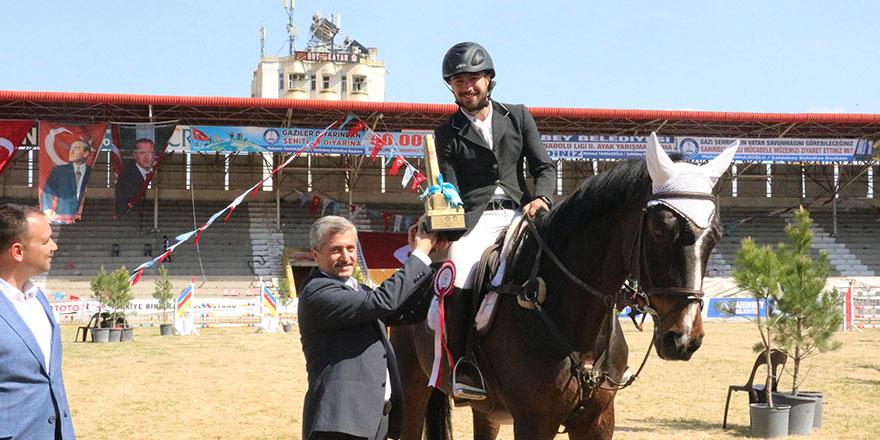 Kamil Ocak'ta at yarışları yapıldı