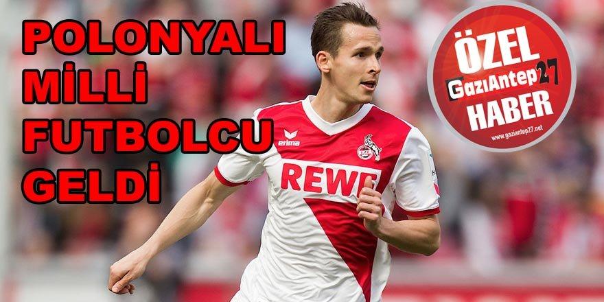 Polonyalı milli futbolcu imzaya geldi