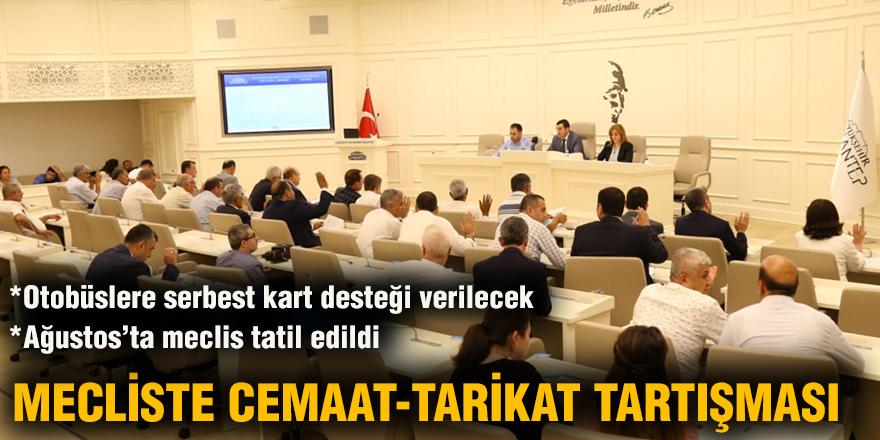 Mecliste cemaat-tarikat tartışması
