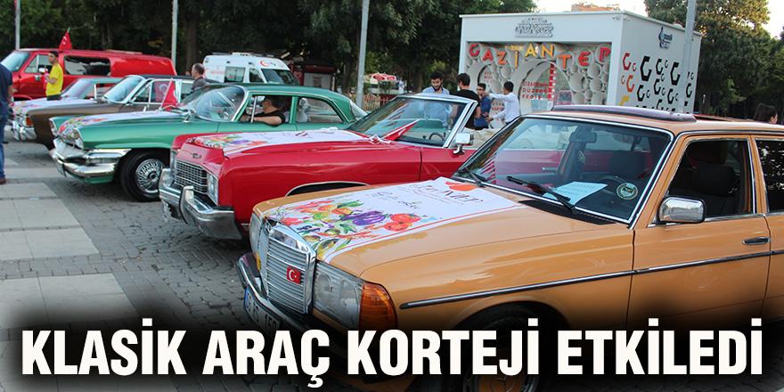 Klasik araç korteji etkiledi