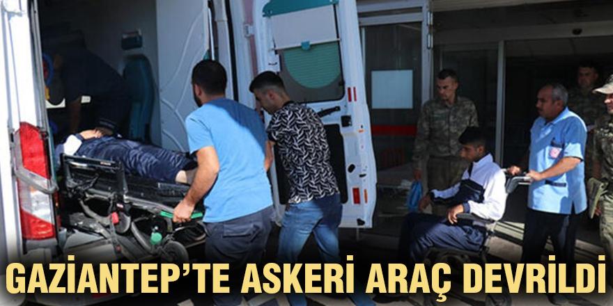 Gaziantep'te askeri araç devrildi