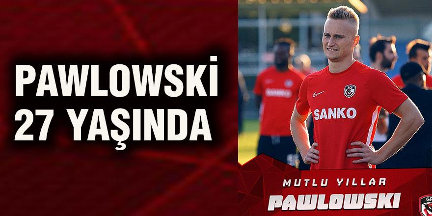 Pawlowski 27 yaşında
