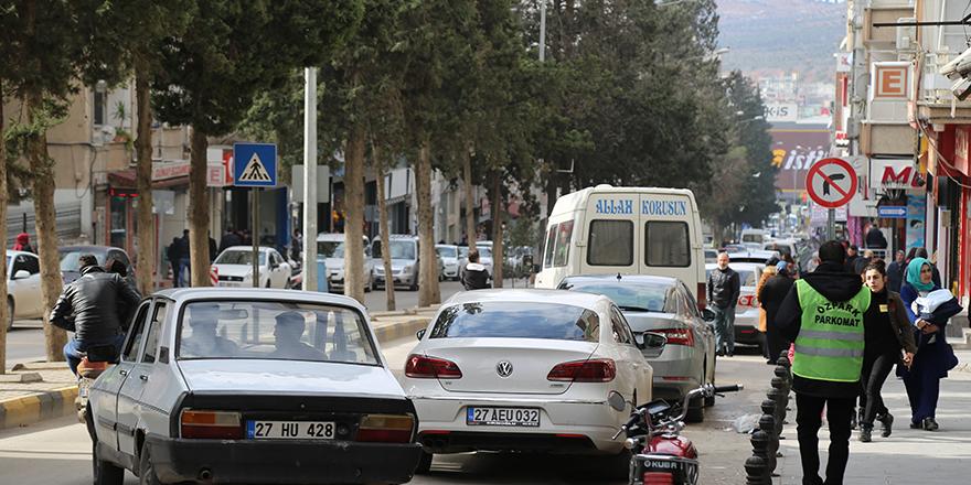 Nizip'te parkomat uygulaması başladı
