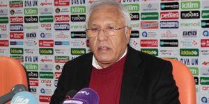 Alanyaspor'da Hüseyin Kalpar istifa etti