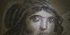 Mozaikler evine dönüyor