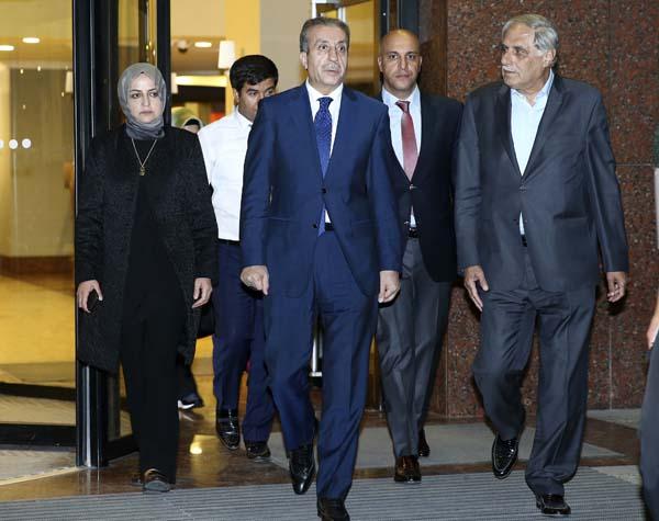cumhurbaskani-erdogan-basbakan-yildirim-ve-bakanlardan-taziye-ziyareti-9936348.jpeg