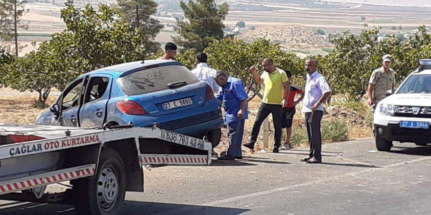 Lastiği patlayan araç yoldan çıktı: 6 yaralı