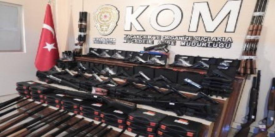 Av bayilerine 'ruhsatsız silah' operasyonu: 5 gözaltı