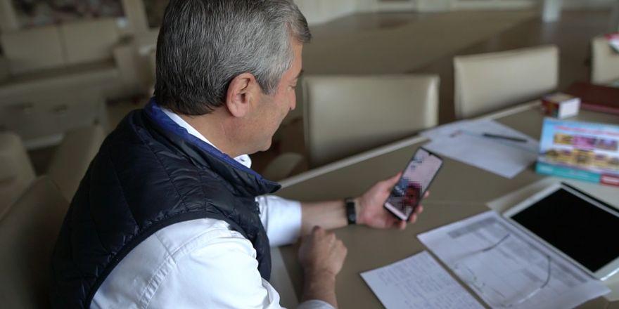 Tahmazoğlu vatandaşlarla iletişimini koparmıyor