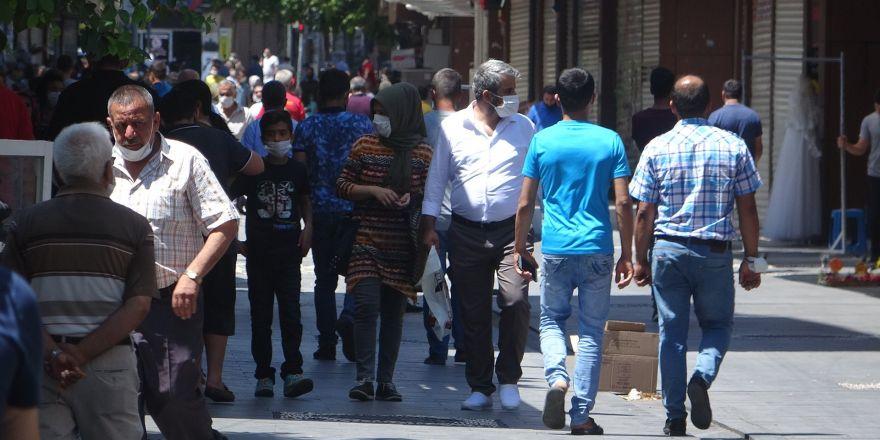Cadde ve sokaklarda hareketlilik başladı