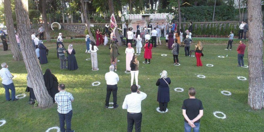 Korona döneminde sosyal mesafeli kır nikahlarına yoğun ilgi