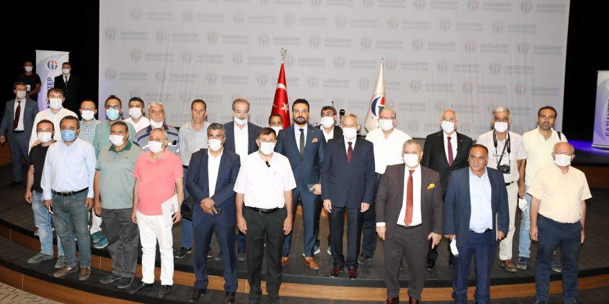 GAÜN Rektörü Prof. Dr. Arif Özaydın, Gaziantep basınıyla bir araya geldi