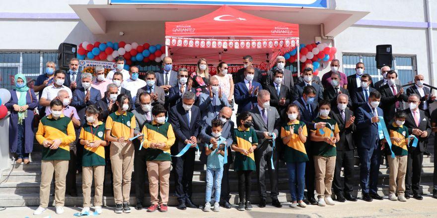 Gaziantep'te okul açılışları sürüyor