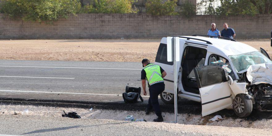 Traktörün ikiye bölündüğü feci kazada 1 kişi öldü, 3 kişi yaralandı