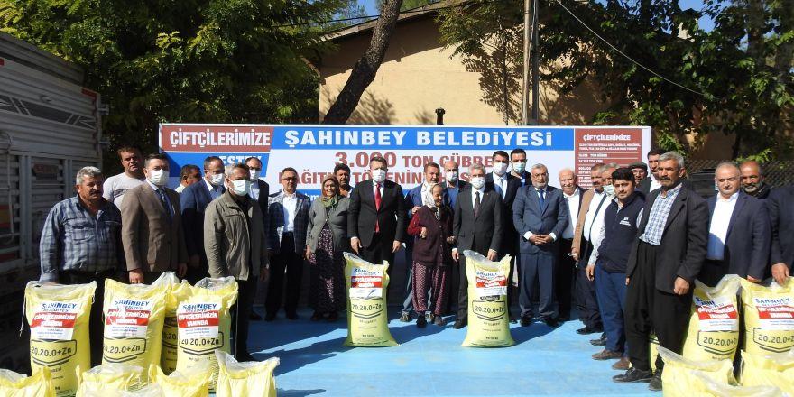 Şahinbey'de çiftçiye 3 bin ton gübre dağıtıldı