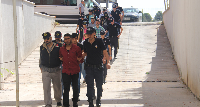 288 polisle operasyon